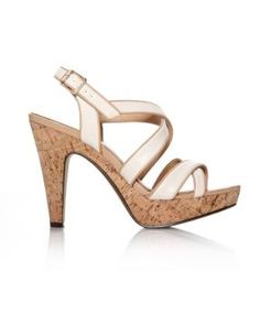 strappy sandal with cork heel Cuba Girl, Curvy Fashion, Womens Fashion, Girls Vacation, Addition Elle, Shoe Boots, Women's Shoes, Strappy Sandals, Cork