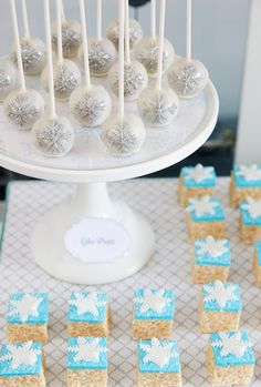 trendy Ideas for baby shower ideas winter wonderland frozen party Frozen Party Food, Frozen Birthday Party, Frozen Theme, Birthday Bash, Buffet Dessert, Frozen Dessert Table, Dessert Ideas, Cake Ideas, Snowflake Party