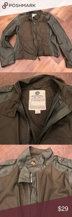 6f69d371a00af Like new! Military inspired jacket. Lightweight Excellent condition