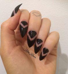 Negative black x Black negative space V false nails