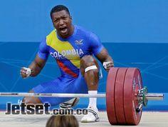 Óscar Figueroa. Este levantador de pesas hizo estremecer a los colombianos que hicieron fuerza con él y en su último intento logró alzarse con la medalla de plata en Londres 2012. Foto: AP