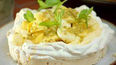 Citroen pavlova met exotisch fruit | Dagelijkse kost Flan, Camembert Cheese, Mousse, Panna Cotta, Brunch, Dairy, Pudding, Sweets, Desserts
