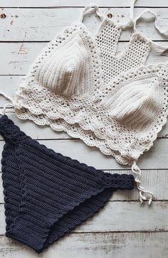Motif Bikini Crochet, Bikinis Crochet, Crochet Crop Top, Crochet Tops, Crochet Bathing Suits, Crochet Poncho Patterns, Crochet Woman, Crochet Fashion, Crochet Clothes