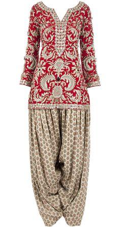 Payal Singhal red and beige embellished kurta set Punjabi Fashion, Bollywood Fashion, Asian Fashion, Indian Suits, Indian Attire, Indian Dresses, Indian Bridal Wear, Indian Wear, Salwar Kameez