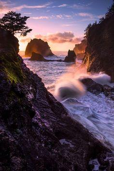 ~~Looking Down Coast, Secret Beach | Brookings, Oregon | by Kevin McNeal~~ Southern Oregon Coast, Oregon Usa, Oregon Beaches, Utah, Oregon Travel, Pacific Northwest, Pacific Coast, Beautiful Landscapes, Nevada