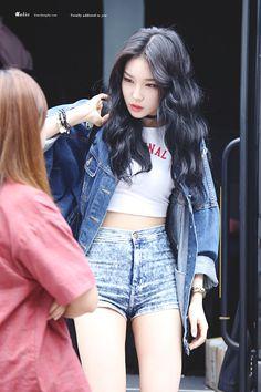 Kpop Fashion, Asian Fashion, Daily Fashion, Girl Fashion, Kpop Girl Groups, Korean Girl Groups, Kpop Girls, Kpop Outfits, Cute Outfits