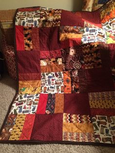 Love the simplicity of the two styles of blocks October 15 - Featured Quilts on 24 Blocks - 24 Blocks
