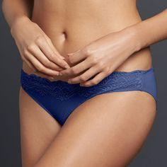 Simply Vera Vera Wang Lace Bikini Panty, Women's, Size: Medium, Blue