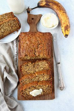 The BEST Banana Bread Recipe! It is easy to make, super moist, and full of banana flavor! #bananabread #bread #quickbread #baking #easyrecipes #bananas