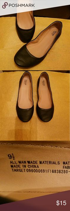 Solid black flats Solid black flats, hardly worn, size 9 1/2 Mossimo Supply Co. Shoes Flats & Loafers