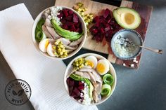 Een pokébowl met onder andere haring en bietjes. Poke Bowl, Healthy Recipes, Healthy Food, Avocado, Paleo, Easy Meals, Lunch, Diners, Lifestyle