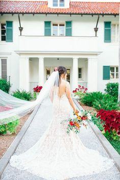 Fantastic 100+ Beautiful Beach Wedding Dresses to Inspire You https://bridalore.com/2017/07/03/100-beautiful-beach-wedding-dresses-to-inspire-you/