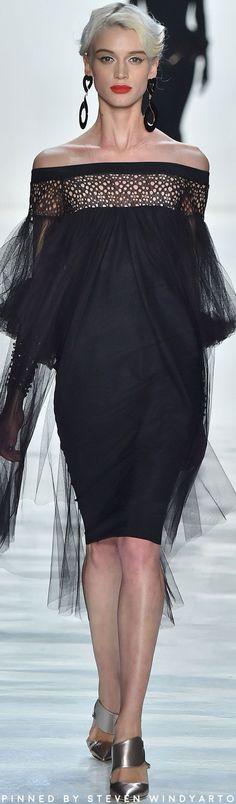 Chiara Boni La Petite Robe 2017.