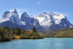 El Azure lago Pehoe Chile