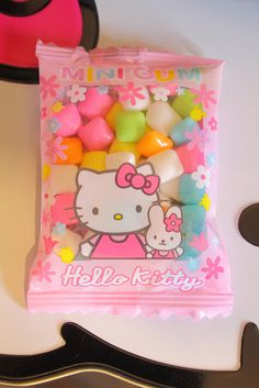 Shared by Find images and videos about pink, sweet and kawaii on We Heart It - the app to get lost in what you love. Cute Snacks, Cute Desserts, Cute Food, Japanese Snacks, Japanese Candy, Japanese Drinks, Asian Snacks, Hello Kitty Items, Candy Shop