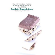 #HighFiber #Vegan Cookie Dough sent straight from heaven :) Raw Chocolate Chip Peanut Butter Cookie Dough Bars Recipe on the blog www.DAMYHealth.com