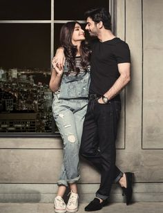 super Ideas for photography poses indian wedding photo shoot – girl photoshoot poses Photo Poses For Couples, Wedding Couple Poses Photography, Pre Wedding Poses, Couple Picture Poses, Couple Photoshoot Poses, Cute Couples Photos, Couple Photography Poses, Cute Couple Pictures, Girl Photo Poses