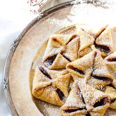 Mrkvové šátečky s povidly   Hodně domácí Sweet Desserts, Healthy Desserts, Healthy Cooking, Sweet Recipes, Baking Recipes, Cookie Recipes, Snack Recipes, Dessert Recipes, Snacks