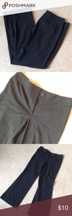 Black dress pants Lightweight pants. 31 inch inseam. 60% polyester 32% rayon 8% spandex Casual Corner Pants
