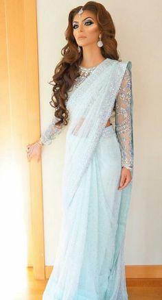 She is sooo beautiful love her light blue sari looks sooo beautiful and amazing on her my favourite. She is sooo beautiful love her light blue sari looks sooo beautiful and amazing on her my favourite. Pakistani Outfits, Indian Outfits, Churidar, Salwar Kameez, Sari Dress, Stylish Sarees, Elegant Saree, Saree Look, Mode Hijab