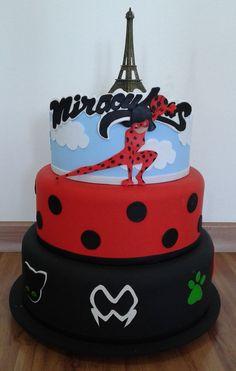 The 30 best Miraculous Ladybug Bolo Fake Ladybug, Ladybug Cakes, Bolo Lady Bug, Cumpleaños Lady Bug, Miraculous Ladybug Party, Bolo Fack, Candy Gift Baskets, 40th Birthday Cakes, Hello Kitty Birthday