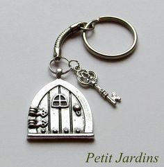 Fairy Door keyring Key Charm Fantasy keyring  Hobbit Door keyring Bag charms  sc 1 st  Pinterest & Bronze Fairy Door Bag Charm | Bags Bronze and Doors