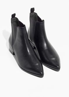 And other Stories chelsea boots in black leader (similar look to acne studios jensen boots) Baskets, Boating Outfit, Leather Chelsea Boots, Casual Winter Outfits, Outfit Winter, Autumn Outfits, Casual Shoes, Best Black, Dress And Heels