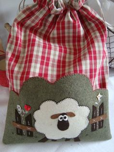 This would be a fun overnight tote bag!
