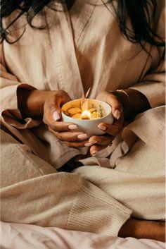 ORGANIC COCOON - Des Bougies Fleuries Parfumées Vegan & Bio Vegan Bio, Organic Candles, Cocoon, Candle Jars, Tea Lights, Sewing Crafts, Marie Claire, Spotlight, Cactus