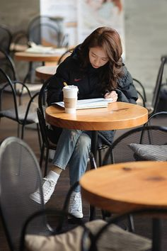 Song Ji Hyo starring in Ex-Girlfriend Club Running Man Cast, Ji Hyo Running Man, Korean Aesthetic, Aesthetic Girl, Ex Girlfriend Club, Studying Girl, Poses, College Aesthetic, Park Shin Hye