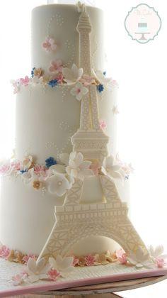 1 Copy - CakeCentral.com Paris Birthday Cakes, Paris Themed Cakes, 15th Birthday Cakes, Quinceanera Cakes, Quinceanera Decorations, Beautiful Cakes, Amazing Cakes, Cake Paris, Love Wedding Themes