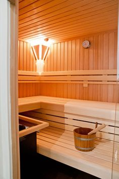 Картинки по запросу sauna Lap Pools, Indoor Pools, Backyard Pools, Pool Decks, Pool Landscaping, Swimming Pools, Diy Sauna, Sauna Ideas, Sauna Steam Room
