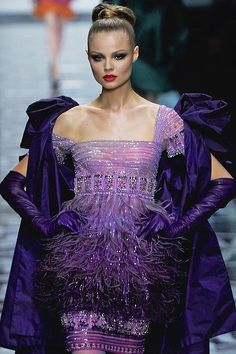 Givenchy Haute Couture + shades of purple Couture Mode, Couture Fashion, Runway Fashion, Fashion Details, Look Fashion, High Fashion, Travel Fashion, Beautiful Gowns, Beautiful Outfits