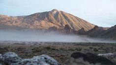 Parque Nacional el Teide, Tenerife - ofrece una de las muestras de conos volcánicos y coladas de lava más espectaculares del mundo y representa el mejor ejemplo de ecosistema de alta montaña de toda Canarias.