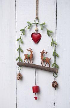 Reindeer Mistletoe Arch Christmas Decoration Price: £9.95