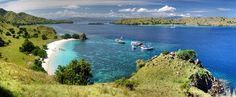 10 Destinasi Wisata Terpopuler Di Indonesia - Anda ingin pergi liburan tetapi bingung harus kemana? Tidak usah jauh-jauh pergi ke negeri orang,