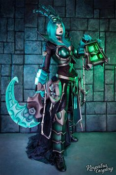 Genderbend Thresh from League of Legends by Kinpatsu cosplay. Anime Cosplay, Cosplay Armor, Epic Cosplay, Steampunk Cosplay, Amazing Cosplay, Cosplay Outfits, Cosplay Girls, Cosplay Costumes, Kawaii Cosplay