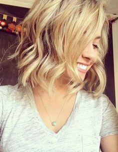 cheveux mi-long -ondulé