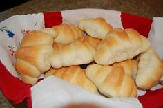 Amazing Buttermilk Rolls, The Sisters Cafe Great Recipes, Favorite Recipes, Healthy Recipes, Biscuit Bread, Flatbread Recipes, Bread Rolls, Yeast Rolls, Bread And Pastries, Soup And Sandwich