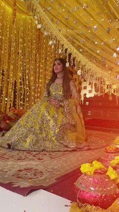 Pakistani Fashion Party Wear, Pakistani Bridal Dresses, Indian Bridal Lehenga, Wedding Dance Video, Indian Wedding Video, Wedding Dresses For Girls, Colored Wedding Dresses, Bridal Songs, Bridal Portrait Poses
