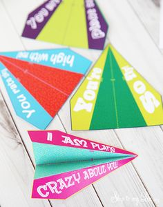 These printable airplane valentines are quick, easy and CUTE! Perfect for boys or girls! These interactive Valentines will be a hit with friends.