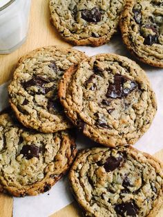 Peanut Butter, Oatmeal & Chocolate Chunk Cookies – Dinner With Julie – Kinder Peanut Butter Oatmeal, Creamy Peanut Butter, Chocolate Peanut Butter, Chocolate Recipes, Oatmeal Cookie Recipes, Oatmeal Cookies, Cookie Desserts, Fun Desserts, Chocolate Chip Cookies