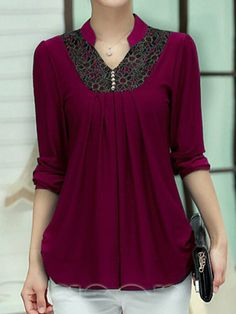 This pin was discovered by mendy mcgee. Blouse Styles, Blouse Designs, Middle Ages Clothing, Knitted Baby Outfits, Simple Kurta Designs, Short Sleeve Collared Shirts, Sewing Blouses, Kurti Embroidery Design, Stylish Dresses For Girls