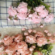 50PC Artificial Roses Flower Heads Fashion Table Rose Buds Decor Floral Vine LA1