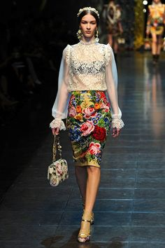 dolce and gabbana...oh my gosh, this skirt drives me crazy!