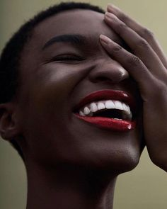 Via @hannah.magazineRemember your smile. Again and again. via @nayaoliveiras shot by @lufreee with @patrickguisso and @maikamano || black beauty. Dark skin beauty. Natural hair. Dark skin and red lipstick. Dark skin women. Twa. Black Women. Black girls. Smile.