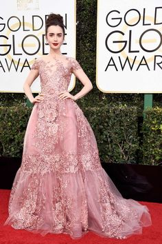 Die Golden Globes sind der erste große Fashion-Moment des Jahres. Wir haben die Kleider des Abends für Sie zusammengestellt. Die Roben der 74. Golden Globes im Überblick.