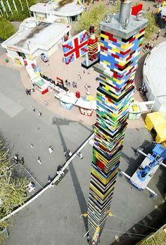 Dünyanın En Uzun Lego Kulesi Macaristan-Budapeşte de yapılan bu lego kule tam 37 metre boyundadır.