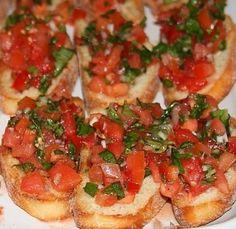 BRUSCHETTA - www.iopreparo.com: è un tipico antipasto della cucina pugliese. Fondamentale è la scelta dell'olio extra vergine di oliva. Ottima se preparata con il tipico pane casereccio pugliese e toscano.