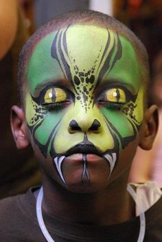 Halloween Kostüm basilisk schlange gesicht schminke idee